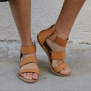 Shoes - Strappy Gladiator Flat